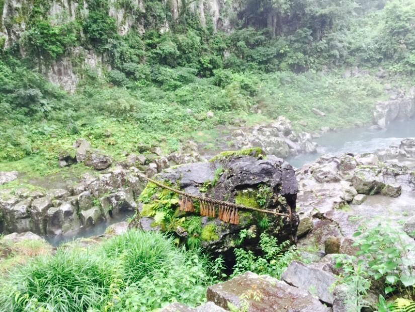 鬼八の力石|高千穂峡